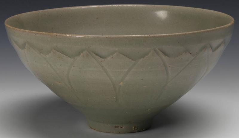 Bowl with Lotus Petal Decoration